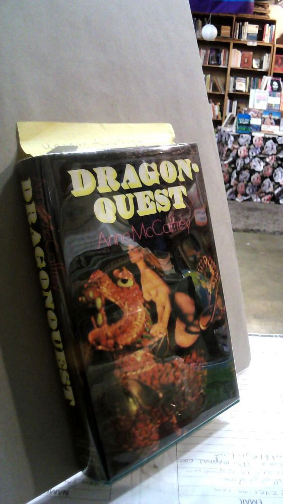 DRAGONQUEST: Being the Further Adventures of the Dragonriders of Pern. Anne MCCAFFREY.