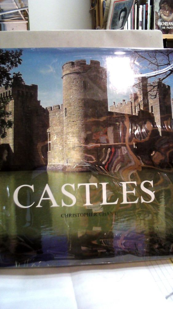 Castles. Christopher CHANT.