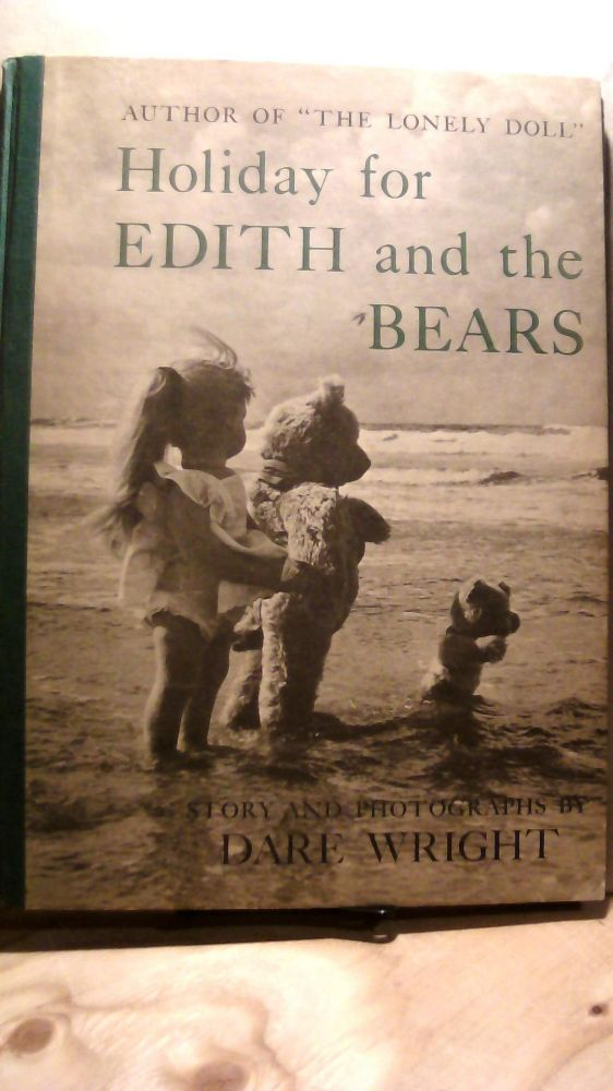 Holiday for Edit and The Bears. Dare WRIGHT.