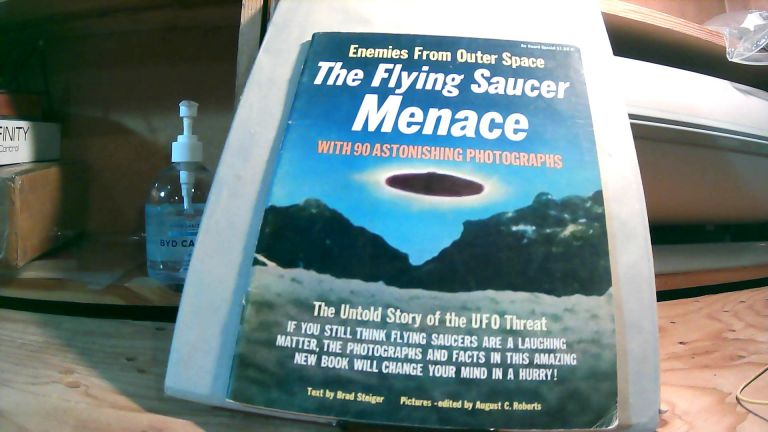 Enemies from Outer Space The Flying Saucer Menace: The Untold Story of the UFO Threat With 90 Astonishing Photographs. Brad STEIGER.