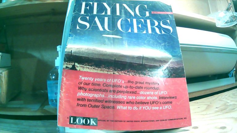 Flying Saucers, A Look Special. David C. WHITNEY.