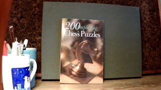 200 PERPLEXING CHESS PUZZLES. Martin GREIF