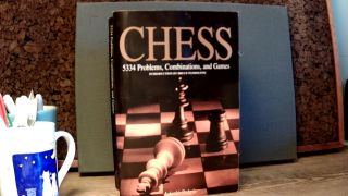 CHESS: 5334 Problems, Combinations, and Games. Laszlo POLGAR